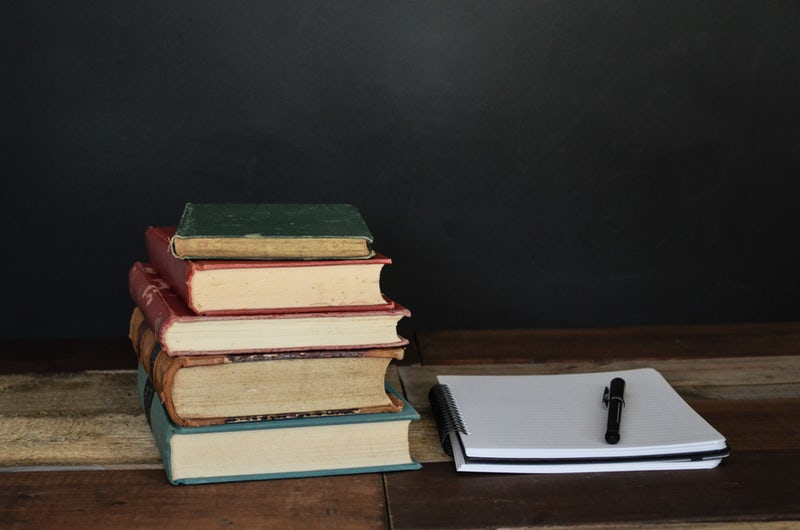 Research in books and take notes for the best business blog post