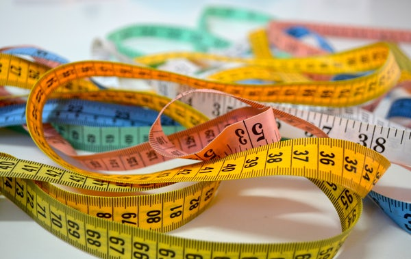 Measuring tape to measure the best blog post length