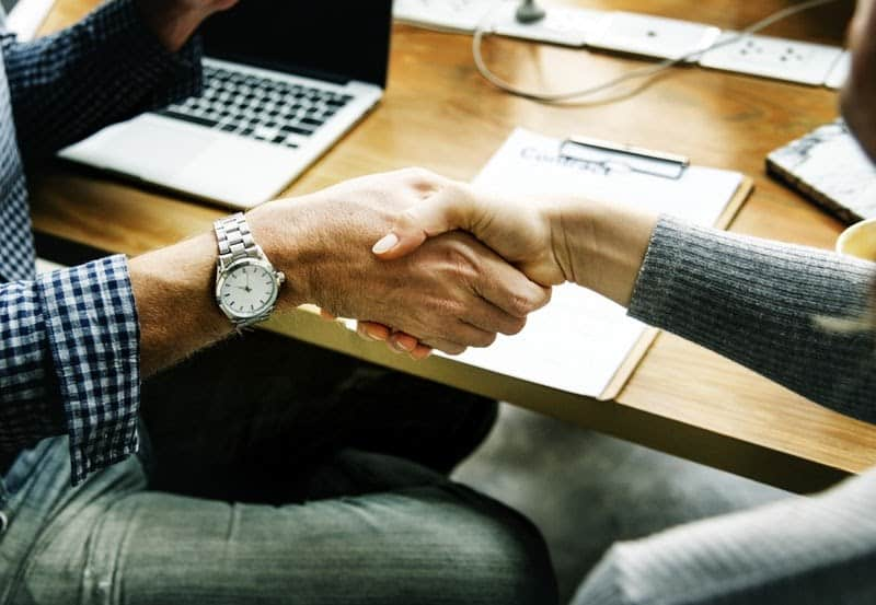 how to find investors on a handshake